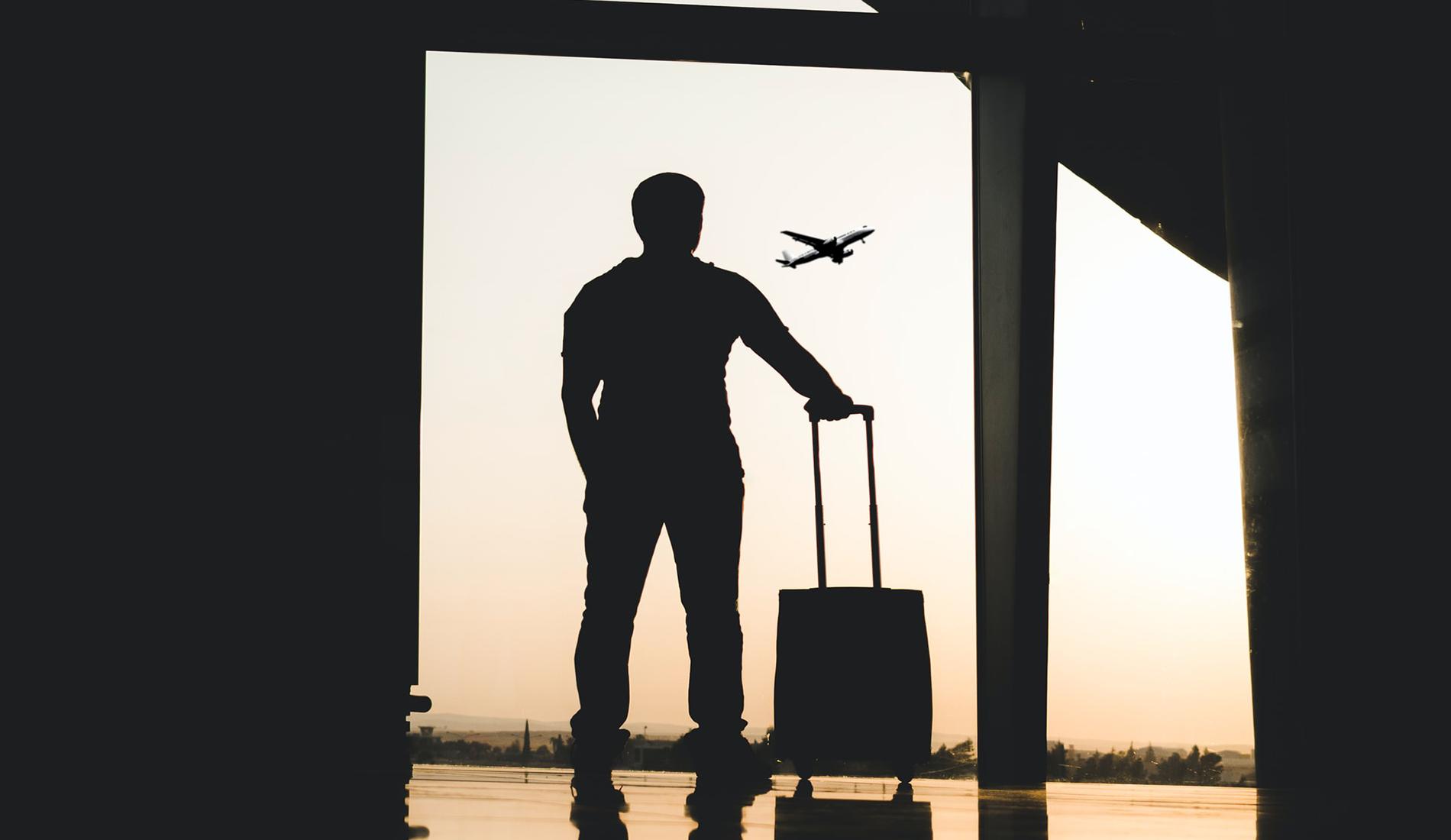 Airport - Unsplash / Yousef Alfuhigi